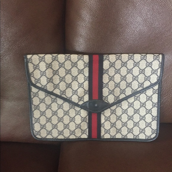 c452be4d8126 Gucci Bags | Navy White Envelope Clutch Bag | Poshmark